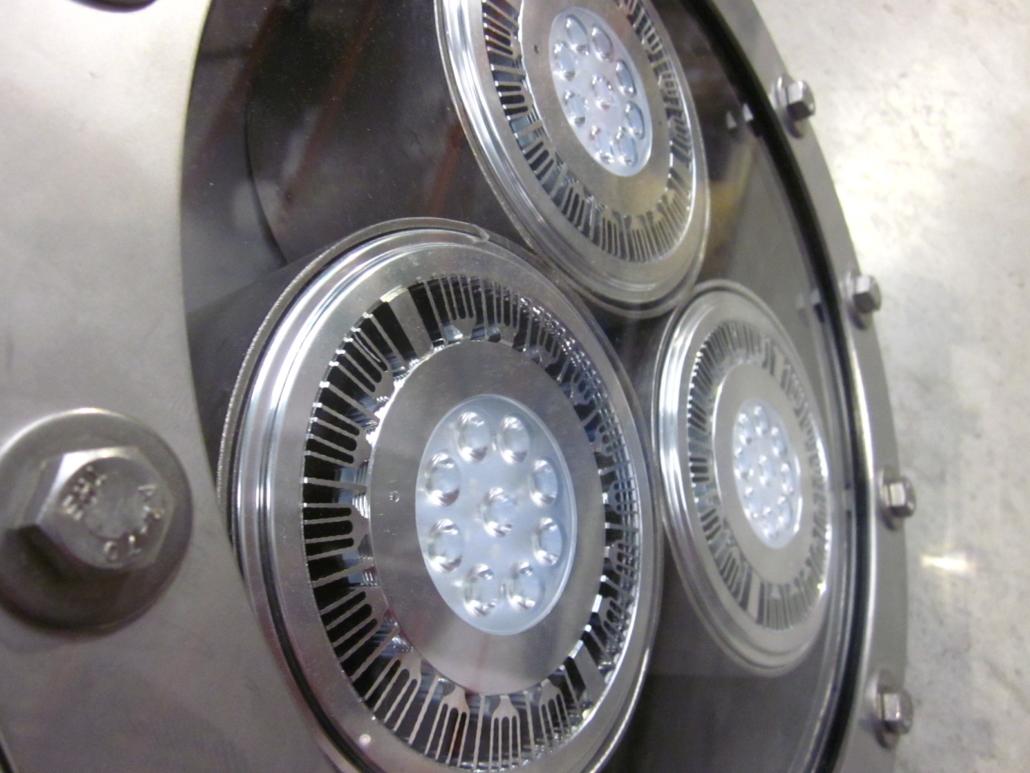 TRIPLE LED LIGHT